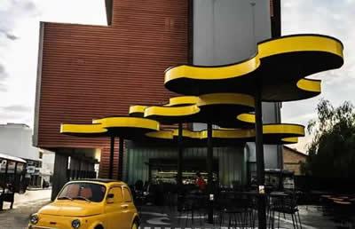 河南郑州聚一墙体彩绘创新型公共空间设计——缔造景观式全球最夸张的店门设计